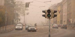 Smog im Straßenverkehr. Foto: Martin Vorel